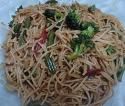 Veg Chowmein - Chinese Hakka Noodles